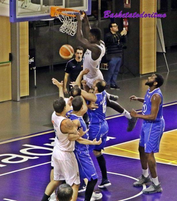 Real Madrid vs Almansa (Foto Basketatodoritmo)